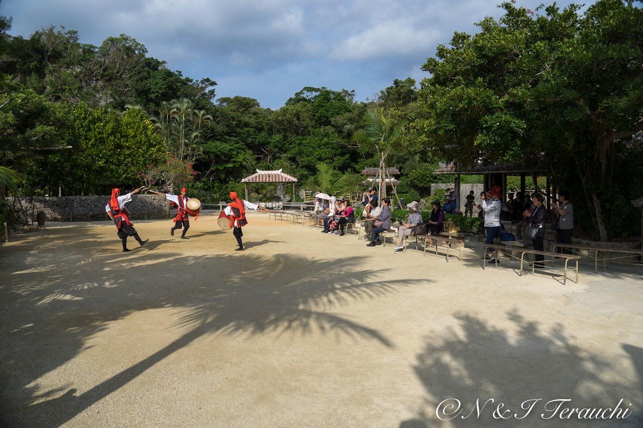 伝統舞踊のエイサー