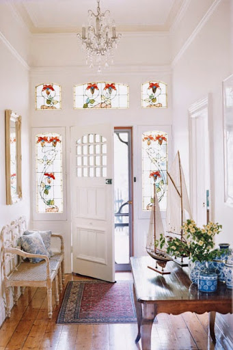 Ballarat home featuring Australian motifs in leadlight glass windows