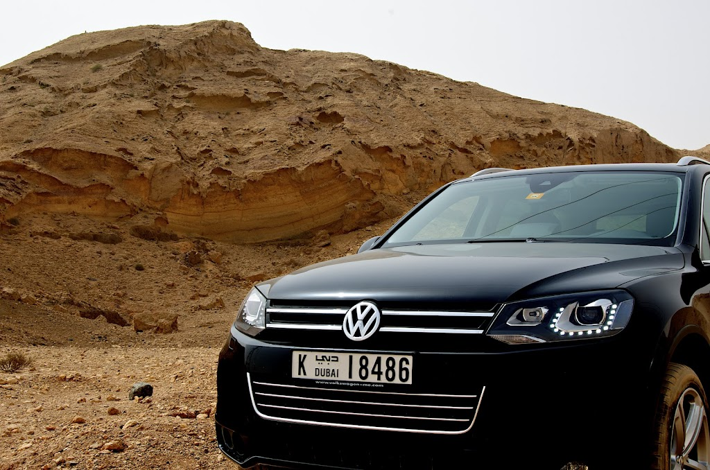 VW Touareg at Fossil Cliff