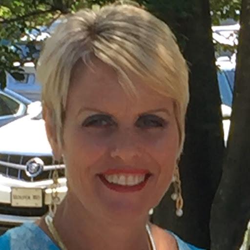 Profile photo of Lisa Helms