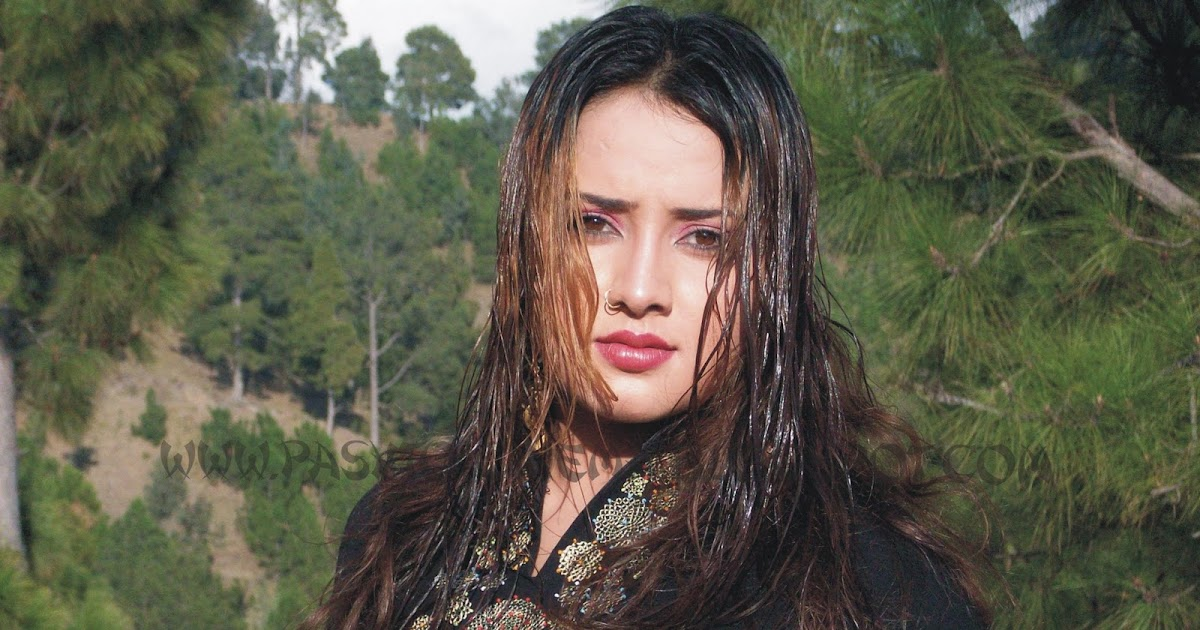 Nadia Gul Six: Pashto Cinema: Polly Wood Hot Dancer, Model And CDs Darama