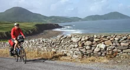 Chris on the Bike bei Waterville, Ring of Kerry, Irland