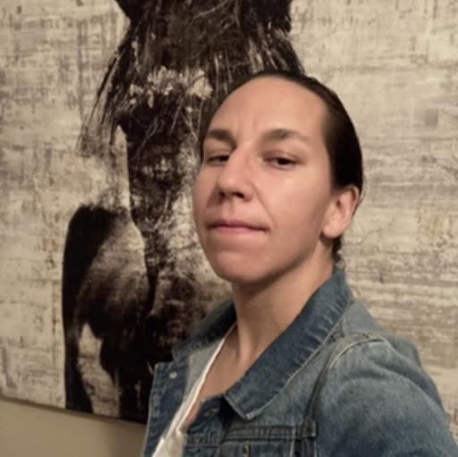 Juliette Flores Photo 10
