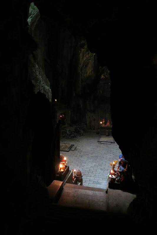 Descending into Huyen Khong Cave