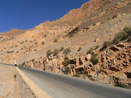 Anstieg im Oued Dades, Atlas-Gebirge, Marokko