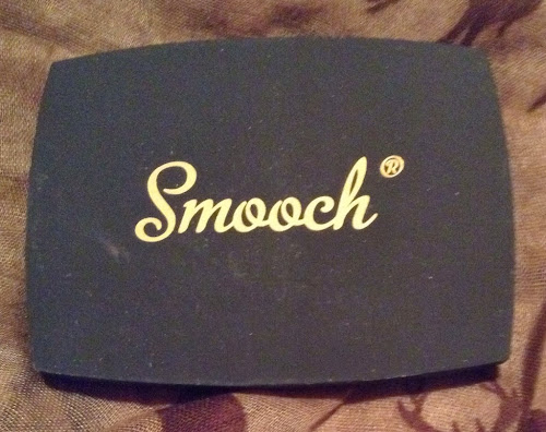Picture of the case of Smooch Cosmetics Bronzer