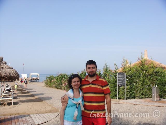 Voyage Belek'te plajın girişinde