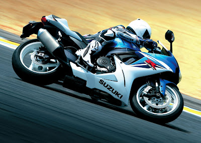 2011-Suzuki-GSXR600-on-track