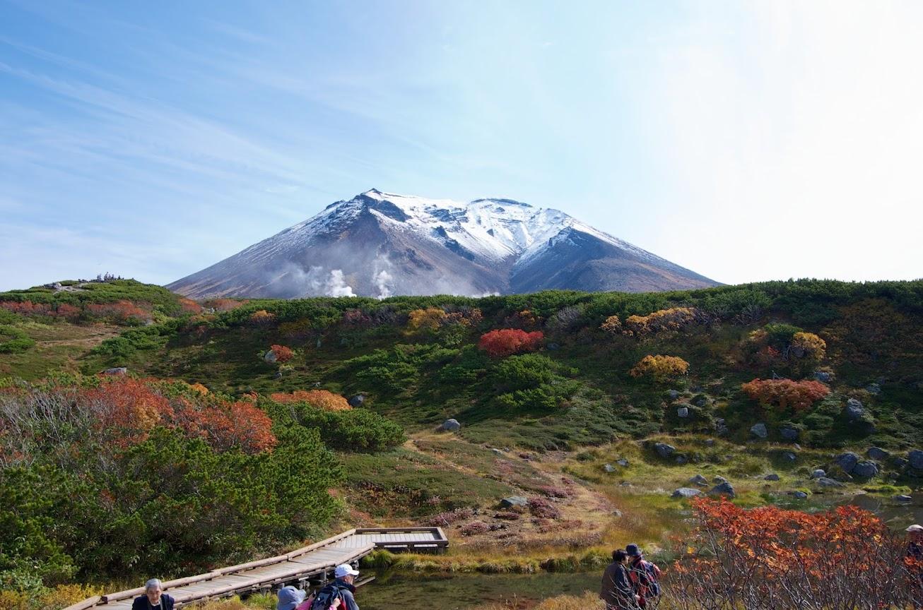 旭岳ロープウェイ姿見駅から眺める旭岳