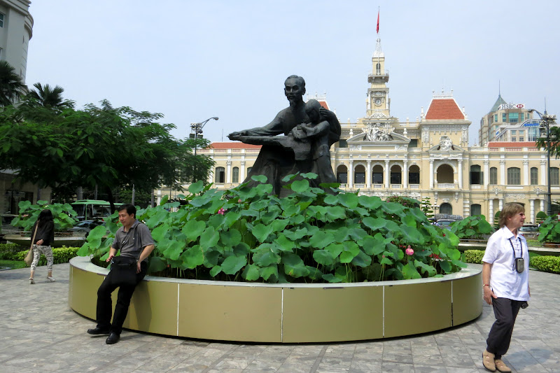 Ho Chi Minh statue in front of People's Committee Building/City Hall