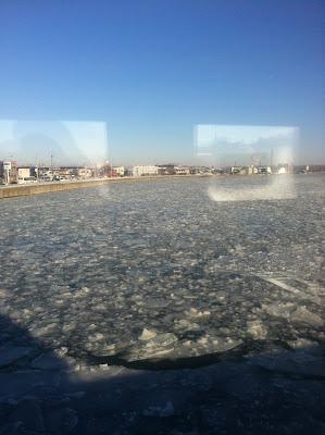 凍った釧路川