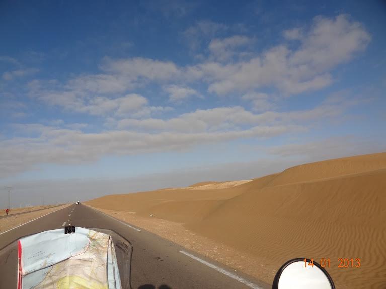 Marrocos e Mauritãnia a Queimar Pneu e Gasolina - Página 5 DSC05789