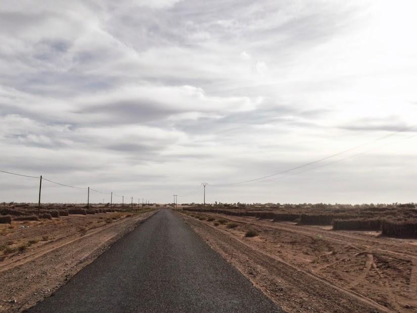 Marrocos e Mauritãnia a Queimar Pneu e Gasolina - Página 13 DSCF1459