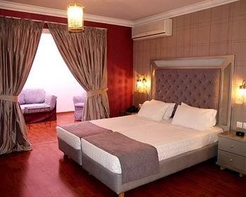 DELPHI ART HOTEL ATHENS
