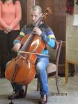 Jánosházi Péter, csellóművész, Koryürek Vera fia emelte az ünnepség fényét játékával