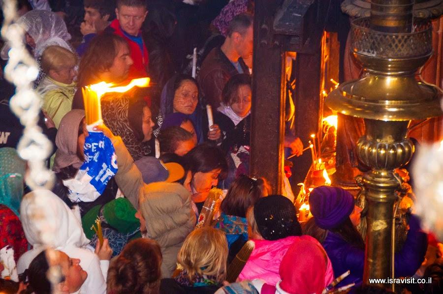 Схождение Благодатного огня в Храме Гроба Господня.
