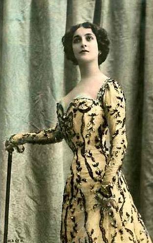 vintage femme cavalieri