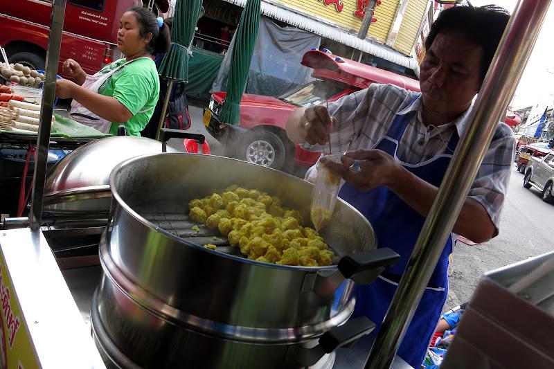 Dumpling vendor