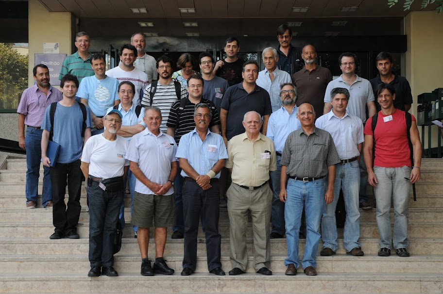 Group photo at the Mathematics Building entrance, IST