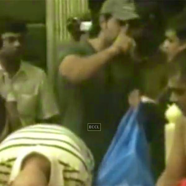 Media got a first hand taste of Hrithik's wrath as the Roshan family went to offer prayers at Shirdi Sai Baba.