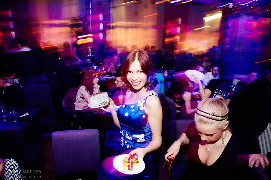 В ночном клубе секси клуб невская маскарадная кошка в москве