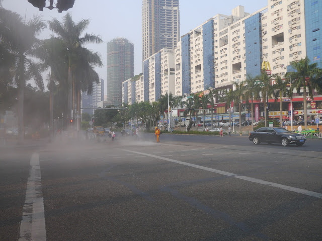 dust cloud at an intersection in Zhuhai, China