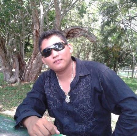 Omar Vicente Photo 13