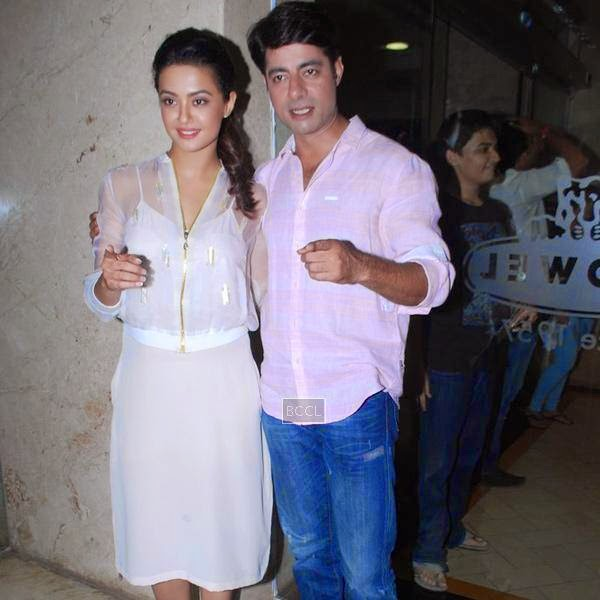 Surveen Chawla and Sushant Singh during the promotion of film Hate Story 2, in Mumbai. (Pic: Viral Bhayani)