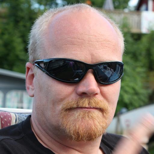 Nils E Johannesen