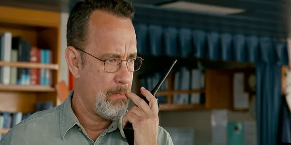 Screen Shot Of Hollywood Movie Captain Phillips (2013) In Hindi English Full Movie Free Download And Watch Online at Alldownloads4u.Com