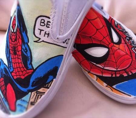 Tênis Vans customizados com personagens de desenhos animados - Homem Aranha