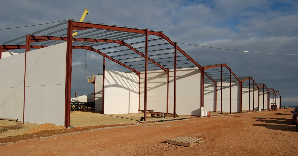 Constructora de naves madrid andalucia extremadura for Constructores de naves agricolas