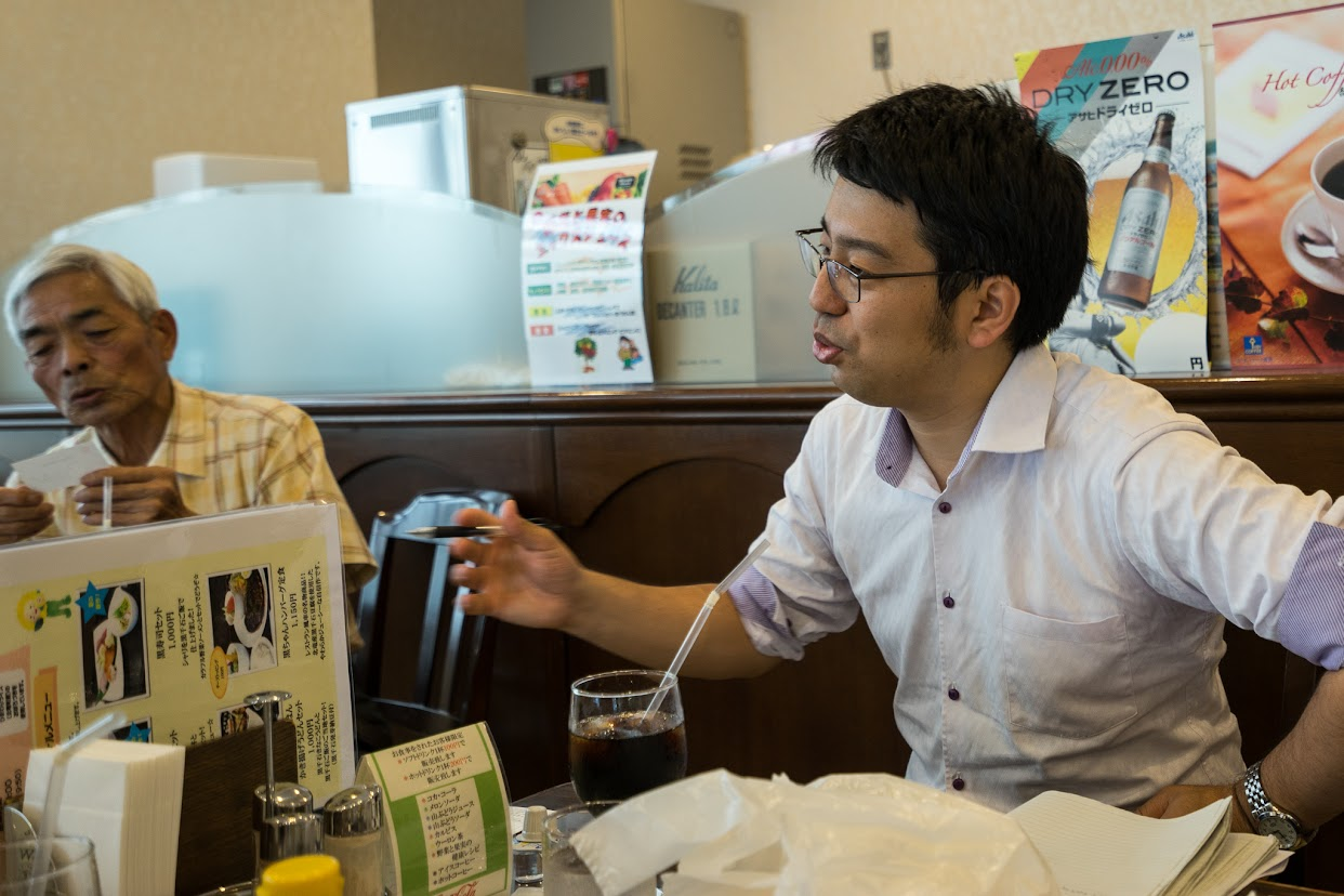 北海道新聞・関口潤 記者(右)、北空知新聞・川島征行 記者(左)