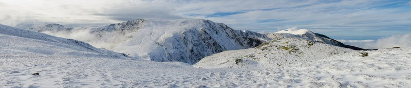 Panorama spre Varful Ludisor