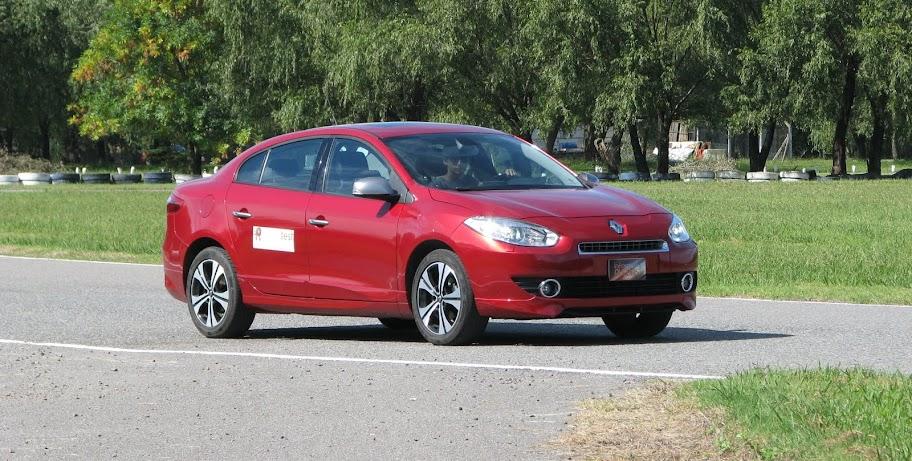 Renault%2520Fluence%2520GT%252812-03-2013%2529_2686.JPG