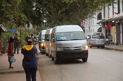 long distance buses in Laos, getting around in Laos, taking the bus in laos