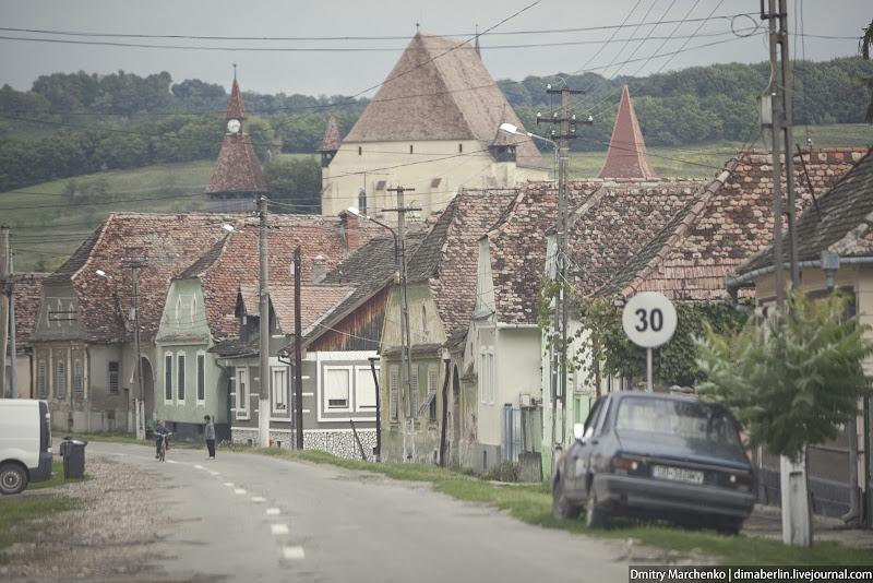 Деревня победнее, вдали от главных дорог