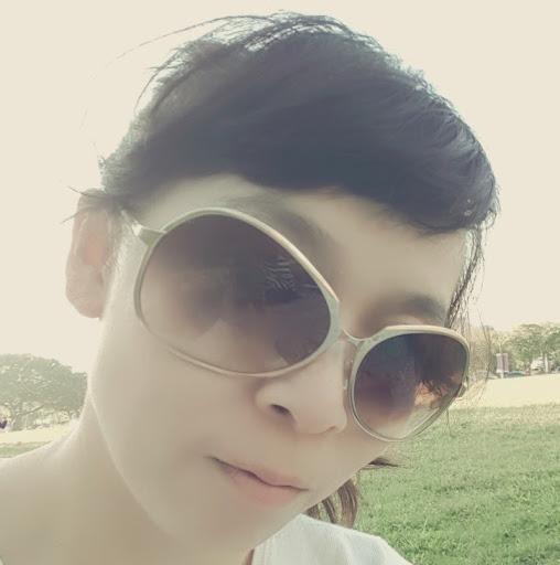 Daphne Lin Photo 22