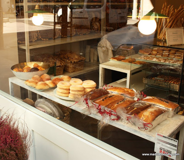 MADRID COOL BLOG escaparate PANCOMIDO croissants donuts