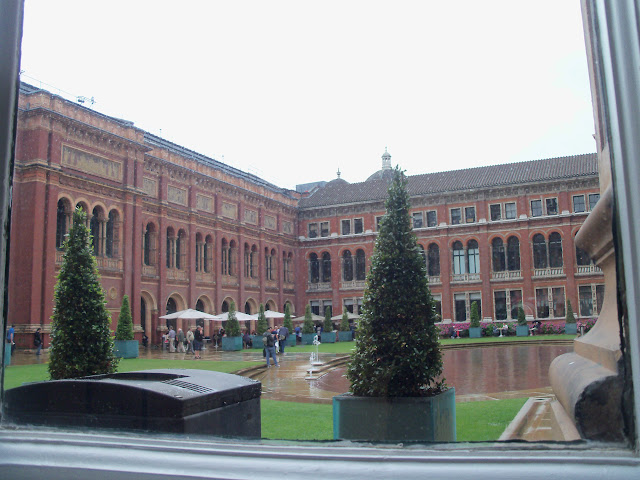 The V&A courtyard