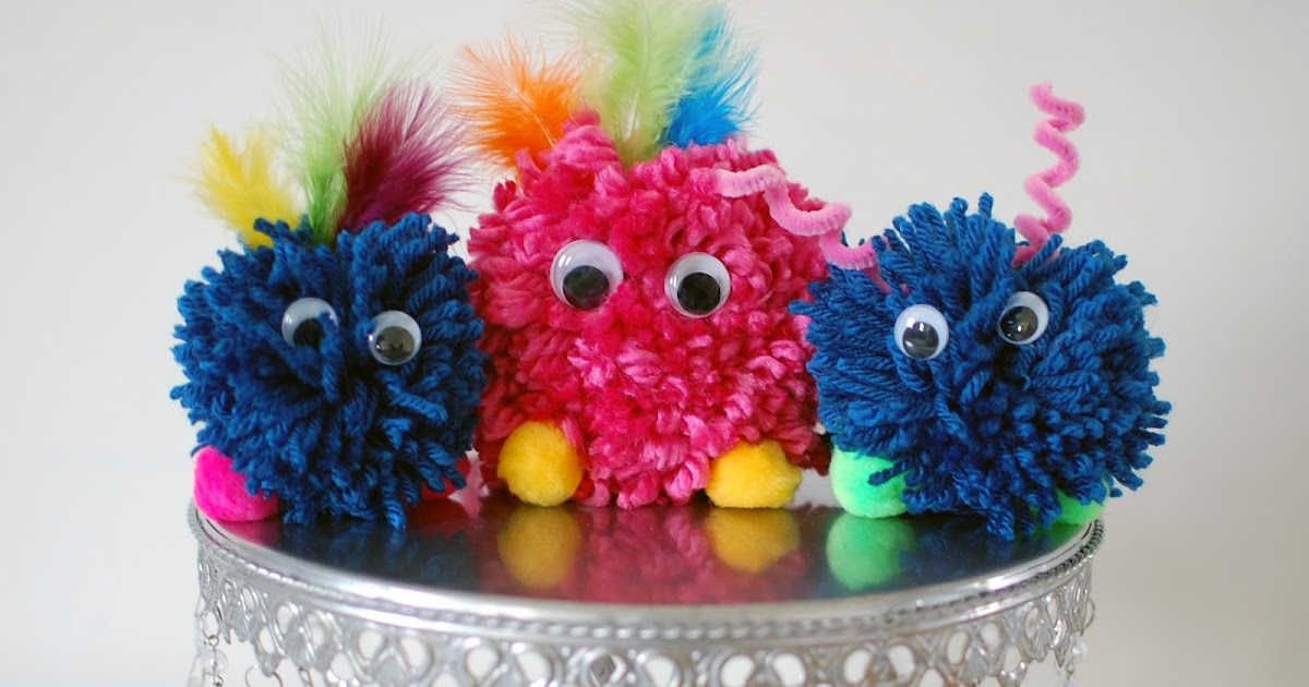 The Purple Pug Yarn Pom Pom Monster Tutorial