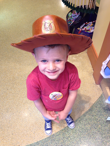 Disneyland Toystory woody hat