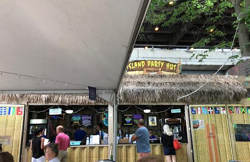 84bc69fe93 Bar «Island Party Hut»