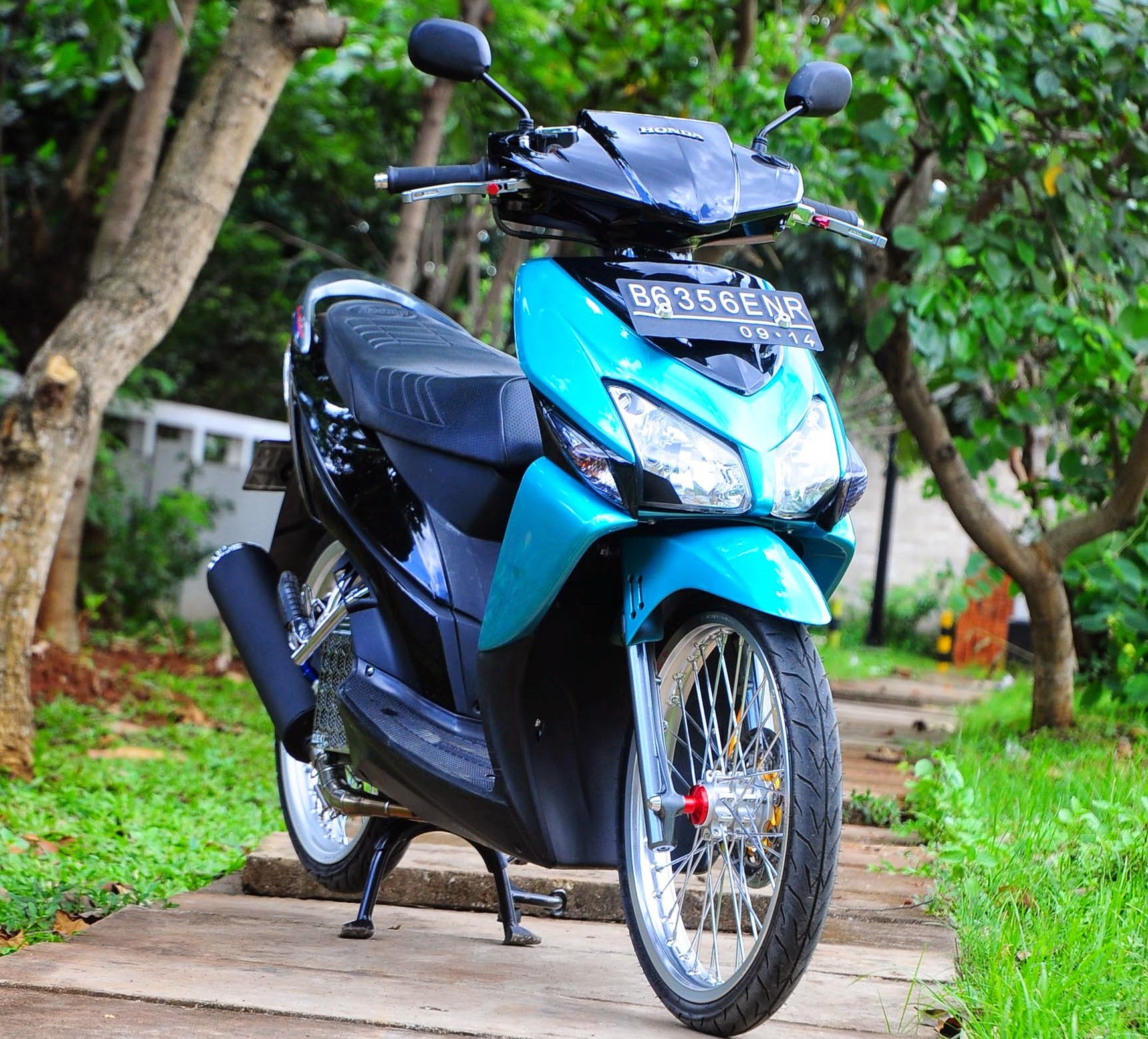 Vario Techno Modifikasi Drag