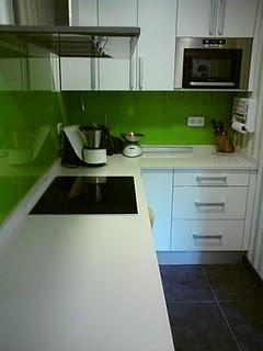 Noticias 24h decoracion arte bricolaje color en cocinas - Cubrir azulejos cocina ...