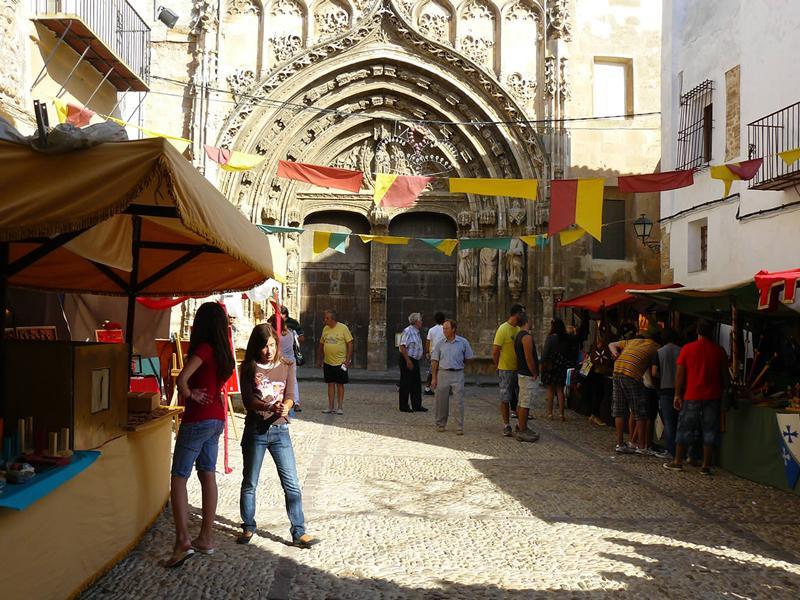 http://www.vivirvalencia.com/uploads/evento/gran-mercado-medieval-en-valencia-2011-4502.jpg