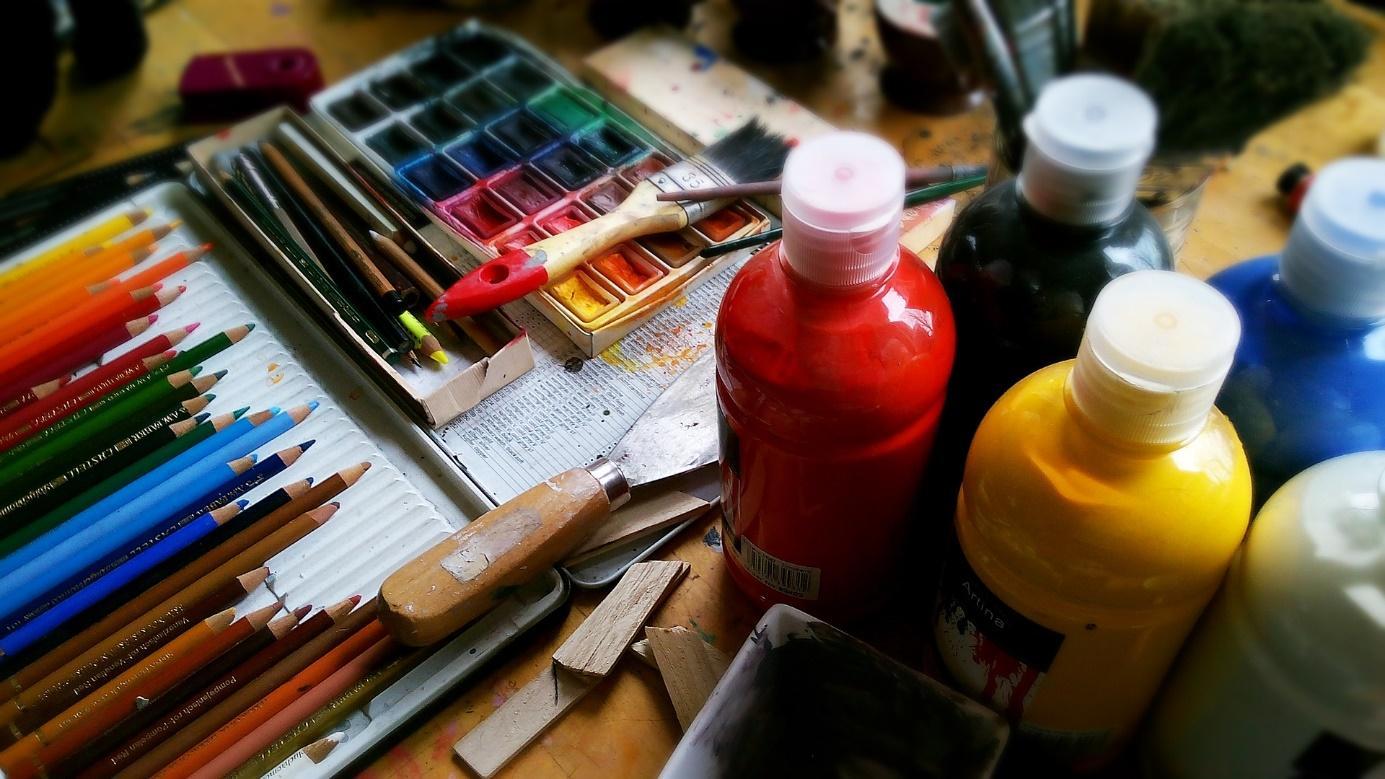 peinture crayon activités manuelles montessori couleurs