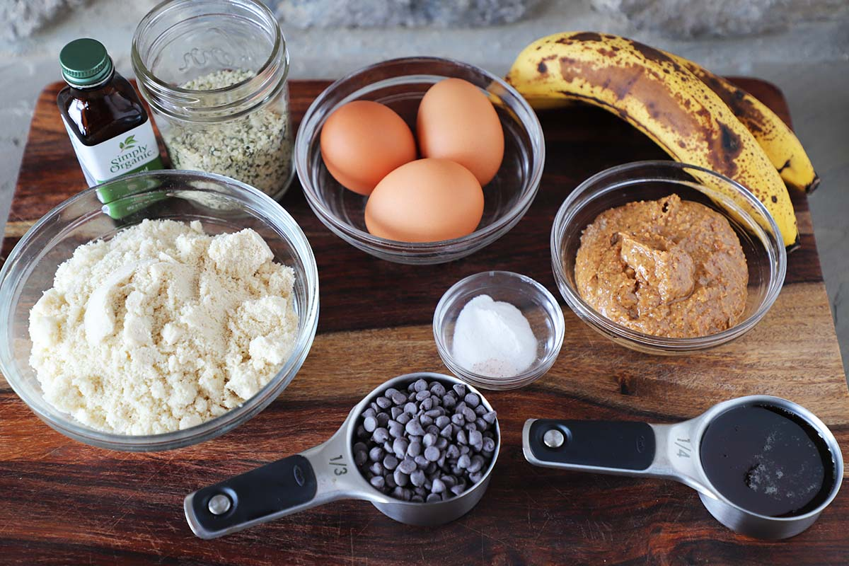 almond butter banana muffin ingredients