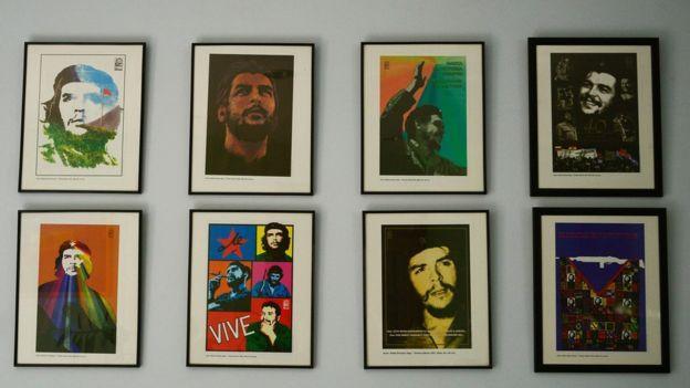 西班牙南部一個市政廳牆上掛了格瓦拉的各種照片。