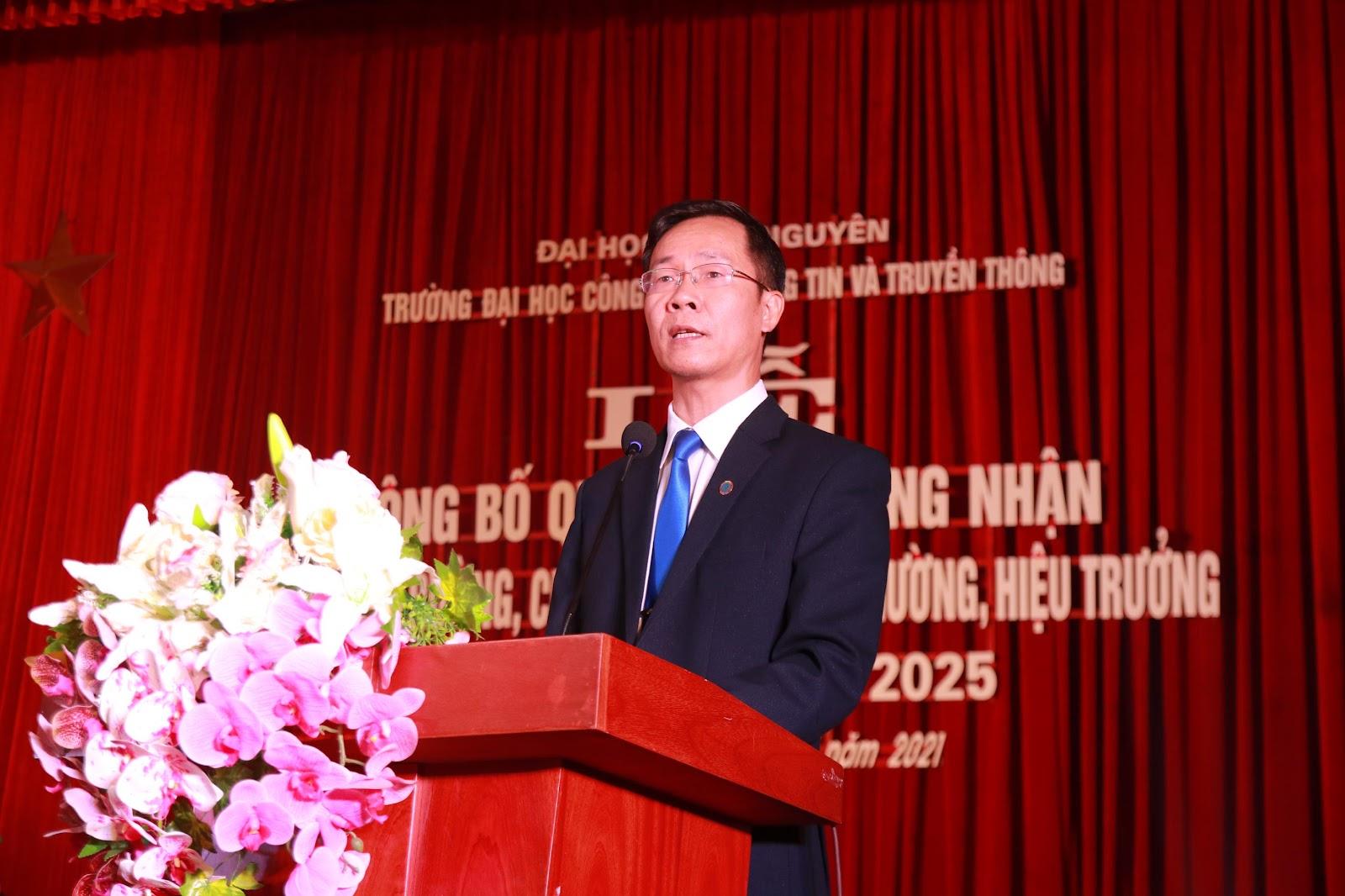 TS. Nguyễn Văn Tảo phát biểu tại buổi Lễ.
